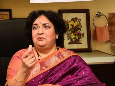 மன்றத்தினரின் கோரிக்கை: அரசியலில் குதிக்கிறாரா லதா ரஜினிகாந்த்?