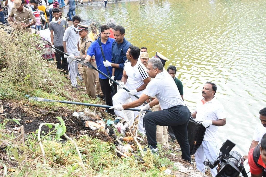திடீர் களத்தில் இறங்கிய சென்னை போலீஸ் கமிஷனர்..! ஆச்சர்யத்தில் பொதுமக்கள்