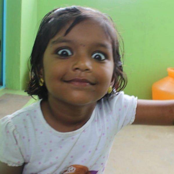 ``அப்ப வருத்தப்பட்டோம்... ஆனா, இப்ப..?!'' - `குணமா வாய்ல சொல்லணும்' ஸ்மித்திகாவின் பெற்றோர்
