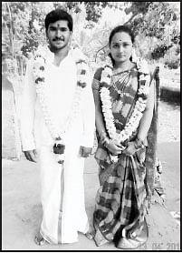 சாமி கும்பிடச்சொல்லி சுட்டுக் கொன்னுடுவாங்க...