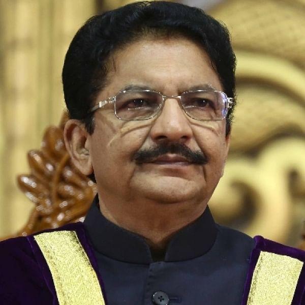 'முதல்வர் பதவியேற்க சசிகலாவை அழைக்காதது ஏன்?'- ஆளுநர் வித்யாசாகர் ராவ்!
