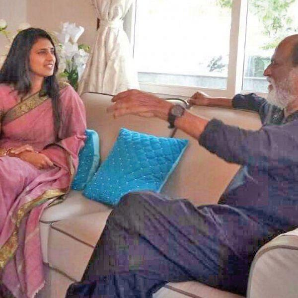 """""""இதுதான் கரெக்ட் டைம்!"""" - ரஜினிக்கு சிவப்புக் கம்பளம் விரிக்கும் பிரமுகர்கள்"""