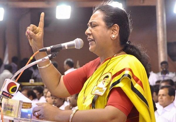விந்தியா பிஸி... கோகுல இந்திரா வர்றாங்க... அலர்ட்டாகிக்கோங்க கேப்டன்!