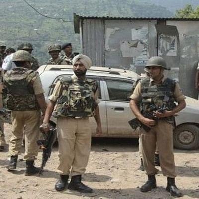 இந்திய எல்லையில் பாகிஸ்தான் நடத்திய தாக்குதலில் 6 பேர் பலி!