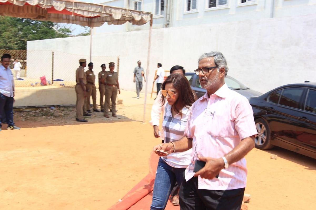 #LiveUpdates  தயாரிப்பாளர் சங்க தேர்தல்: வெற்றியை குவித்த விஷால் அணியினர்!