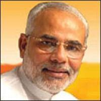 குஜராத் தேர்தல்: மோடியை எதிர்த்து போலீஸ் அதிகாரி மனைவி போட்டி!