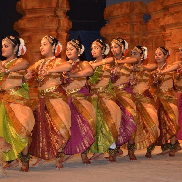 மகா சிவராத்திரி: கங்கைகொண்ட சோழபுரத்தில் வெகு விமரிசையாகத் தொடங்கியது நாட்டியாஞ்சலி