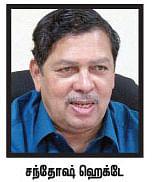 அவதூறு பிரசாரம் எதிரொலி... லோக்பால் மசோதா குழுவில் இருந்து விலக சந்தோஷ் ஹெக்டே முடிவு?