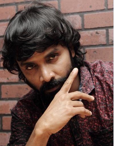 'நோஞ்சான் ஆரவ்வை என் எதிரியாகப் பார்க்கவில்லை' - சினேகனின் பிக்பாஸ் அனுபவம் #VikatanExclusive