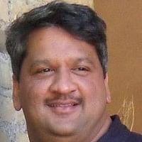 ரூ.1 கோடி சம்பளத்தை உதறி ஆம் ஆத்மியில் இணைந்தார் லால்பகதூர் சாஸ்திரி பேரன்!