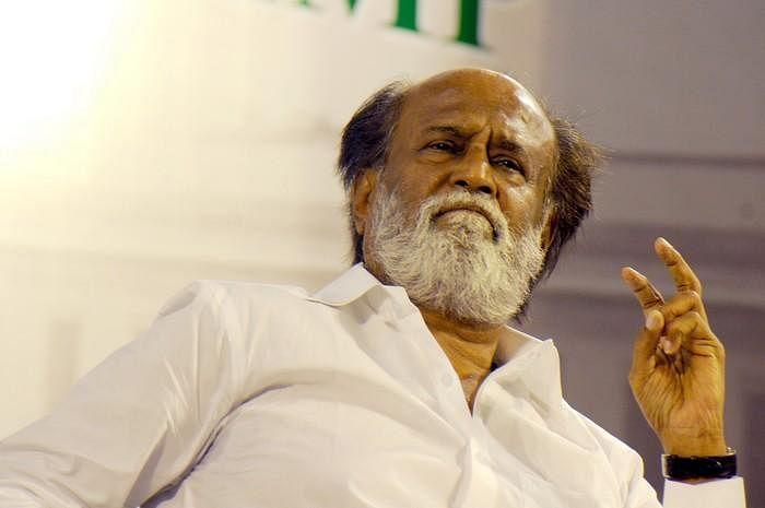 `யார் யார்... ஜெயிப்பா?' - `தர்பார்' பிரேக்கில் ரஜினியின் டிஸ்கஷன்