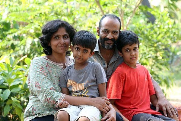குடும்பத்தினருடன் நடிகர் கிஷோர்