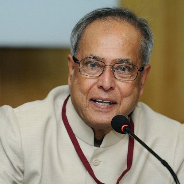 'விமர்சிக்காதீர்கள்; அவர்கள் சரியாகவே செய்கிறார்கள்!' - காங்கிரஸுக்கு எதிராக பிரணாப் கருத்து
