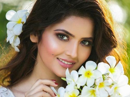 'நெஞ்சமுண்டு நேர்மையுண்டு ஓடு ராஜா' திரைப்பட நடிகை ஷிரின் காஞ்வாலா
