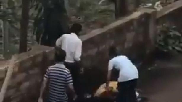 முன்னாள் காதலிக்கு கத்திக்குத்து