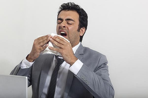 """நிபா அலர்ட்... ``பறவைகள் கடித்த பழங்களைச் சாப்பிடாதீர்கள்..!"""" - கேரள சுகாதாரத் துறை அமைச்சர்"""
