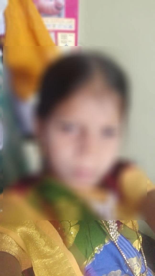 `மயங்கிக் கிடந்த மகளை 3 மணி நேரமாக பள்ளியில கிடத்தி வெச்சுருக்காங்க!'- மாணவியை இழந்த தாய் கதறல்