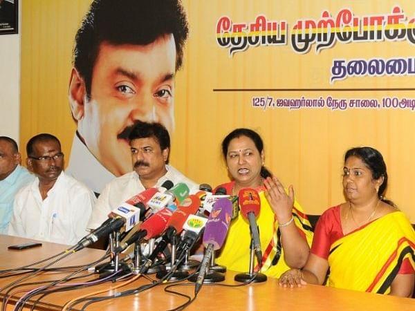 Election Updates: `32 தொகுதிகள் ஒதுக்கீடு?' - அ.ம.மு.க - தே.மு.தி.க இடையே கூட்டணி உடன்பாடு?