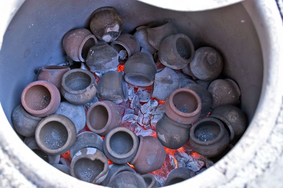 டீ கடை நடத்தும் பொறியியல் பட்டதாரி