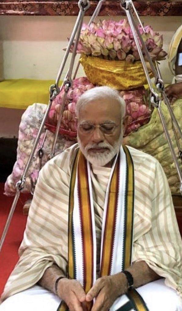 `நிபா வைரஸ் பரவிவருவது கவலை அளிக்கிறது!' - குருவாயூரில் உருகிய மோடி