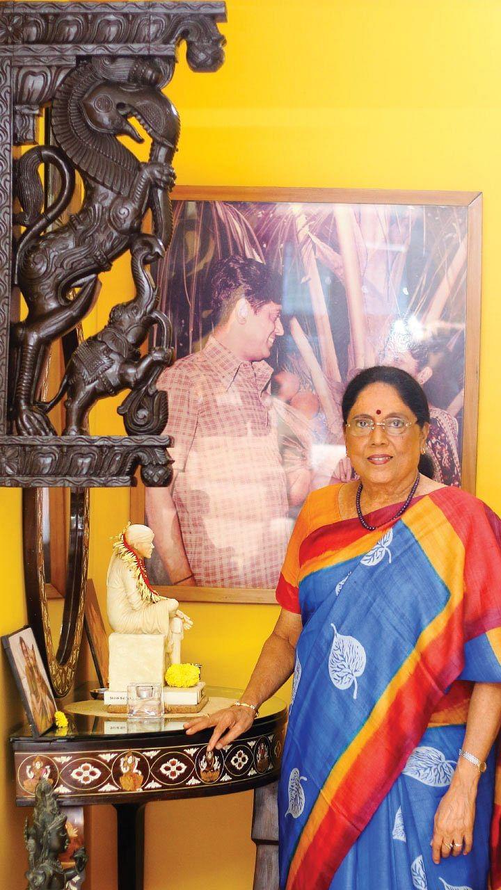 அவள் அரங்கம்: லலிதாவும் ஜெயலலிதாவும்! - சிவசங்கரி