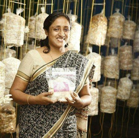 காளான் வளர்ப்பில் மாதம் ₹1 லட்சம் வருமானம்... விடாமுயற்சியால் சாதித்த பெண்!