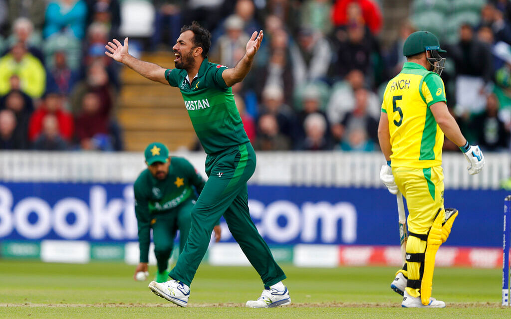 Pakistan's Wahab Riaz reacts after Asif Ali miss the catch.
