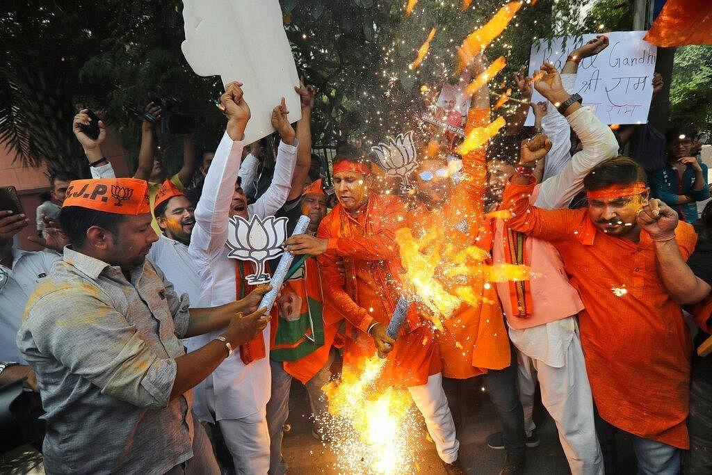 மோடி, ஜெகன்மோகனுக்கு கைகொடுத்த `பி.கே.மேஜிக்' - தேர்தல் வித்தகருடன் கைகோத்த மம்தா