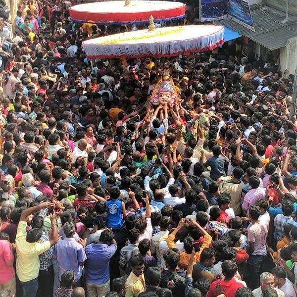 'பக்தர்கள் வெள்ளத்தில் பவனிவந்த கெங்கையம்மன் சிரசு!' - குடியாத்தத்தில் கோலாகலம்