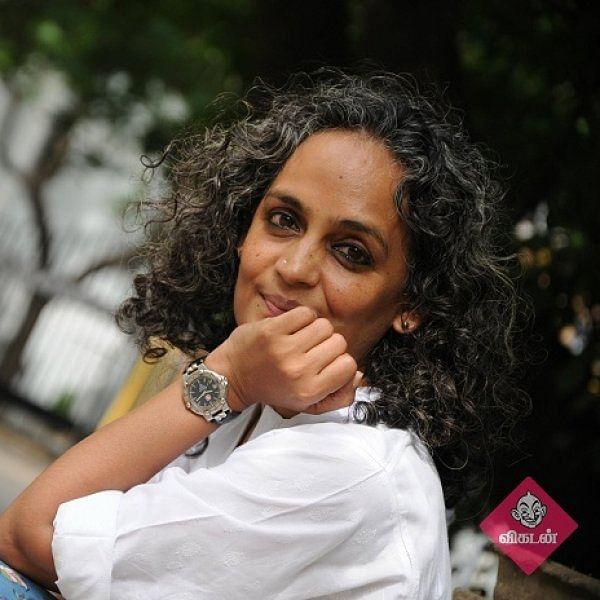 `வளர்ச்சி என்ற பெயரில் அணிந்திருந்த கோட் கழற்றப்பட்டுவிட்டது!' - அருந்ததி ராய்