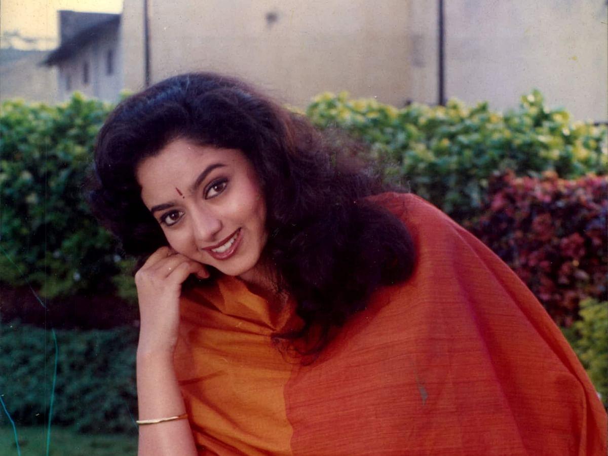 மறைந்த நடிகை சௌந்தர்யா நினைவுகள்... சிறப்பு புகைப்படத் தொகுப்பு!