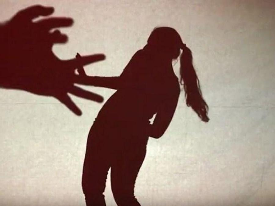 சென்னை: மின்சார ரயிலில் மயக்கம்; பாலியல் வன்கொடுமை! - பெண்ணுக்கு ரயில்வே ஊழியர்களால் நேர்ந்த கொடூரம்