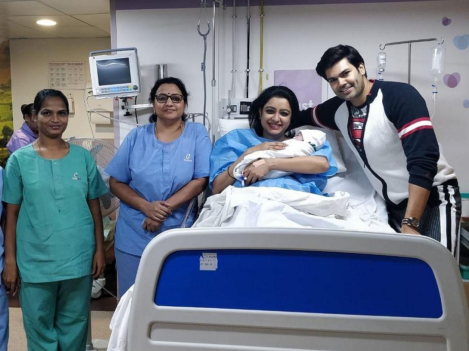 ``என்னய்யா பிரகாஷ் ராஜ் மாதிரி ஃபீல் பண்றனு நிஷா கலாய்க்கிறாங்க!'' - `அப்பா' கணேஷ் வெங்கட்ராம்