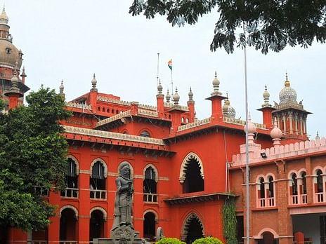 அரியர் தேர்வை ரத்து செய்ததை ஏற்க முடியாது என உயர்நீதிமன்றம் தெரிவித்துள்ளதே?! #VikatanPoll