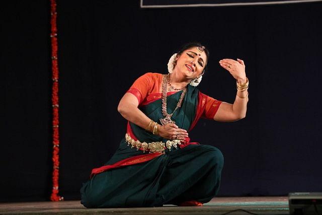 13 ஆண்டுகளுக்குப் பிறகு, நடனமாடும்  ரேவதி