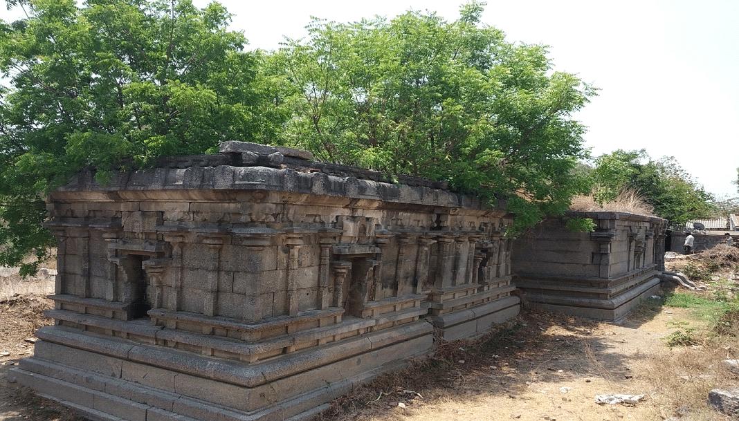சிதிலமடைந்த கோயில்