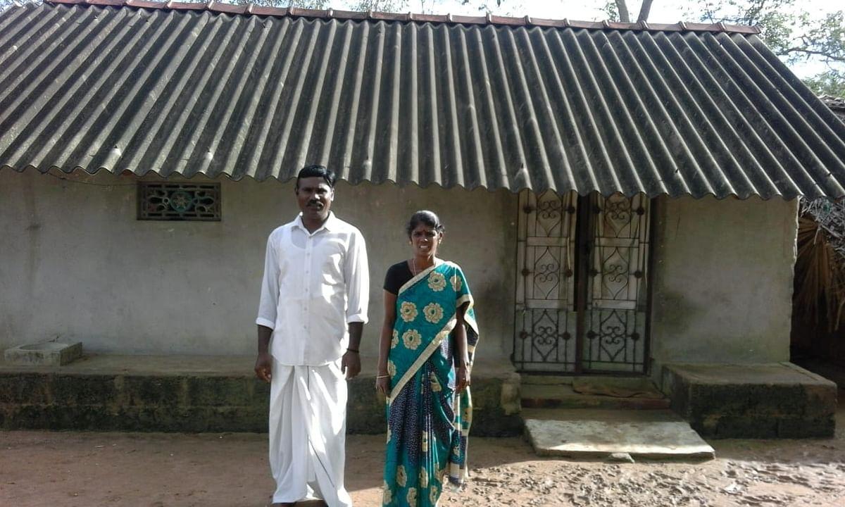 மனைவி காந்தியுடன் செல்வராஜ்