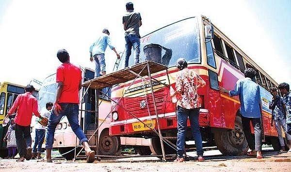 சென்னை ரூட்டுத் தலைகளே... கேரளாவில் `பஸ் டே'ன்னா இதுதான்!