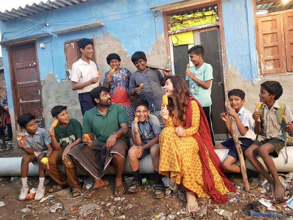 விஜய் சேதுபதி - ராஷி கண்ணா: சங்கத்தமிழன்