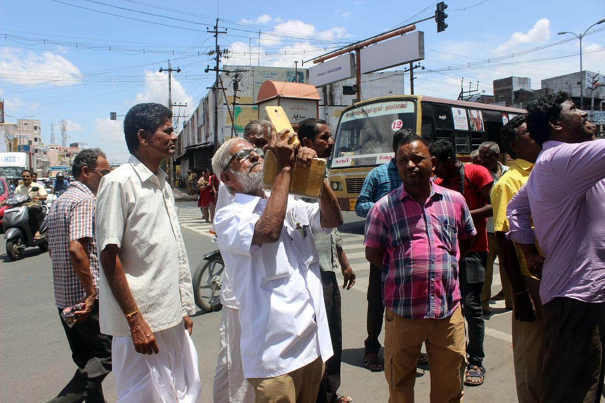 வீடியோ எடுக்கும் டிராஃபிக் ராமசாமி