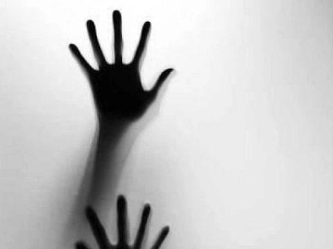 சென்னை: தாயுடன் தூக்கம்; கதவை உடைத்த ரெளடி! - மாற்றுத்திறனாளிப் பெண்ணுக்கு நேர்ந்த கொடுமை