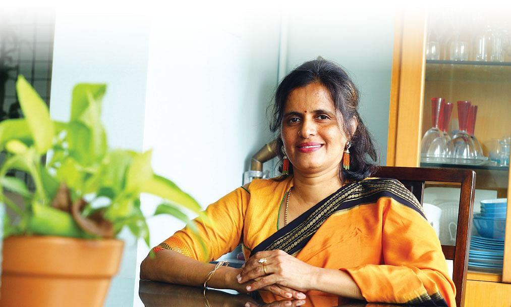 நளினா கண்ணன்