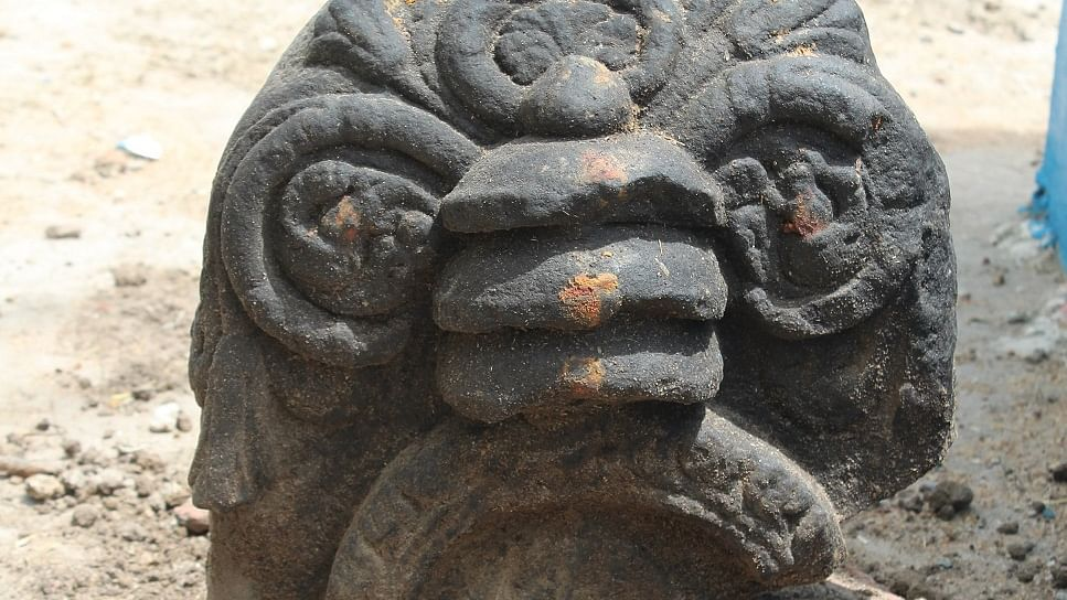தீர்த்தங்கரர் சிற்பம்