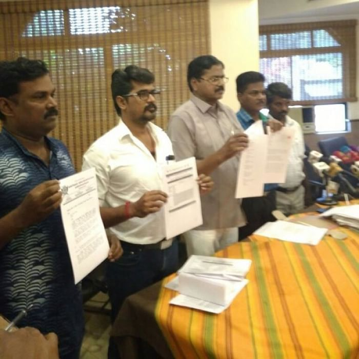 Sivakumar and the members of 'ஆய்வு சிறகுகள்' and 'ஆய்வு மாணாக்கர்கள்'