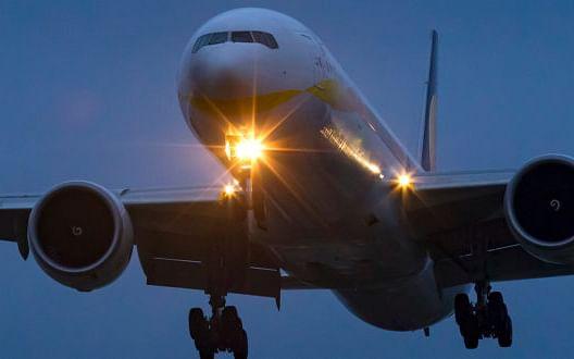 `கொரோனாவால் விமான வருவாய் 44 சதவிகிதம் குறையும்..!' - IATA கணிப்பு