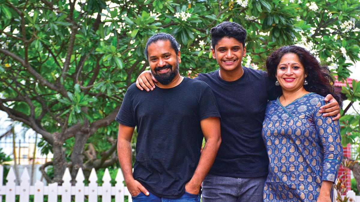 குடும்பத்துடன் இயக்குநர்  ஜெயப்பிரகாஷ் ராதாகிருஷ்ணன்