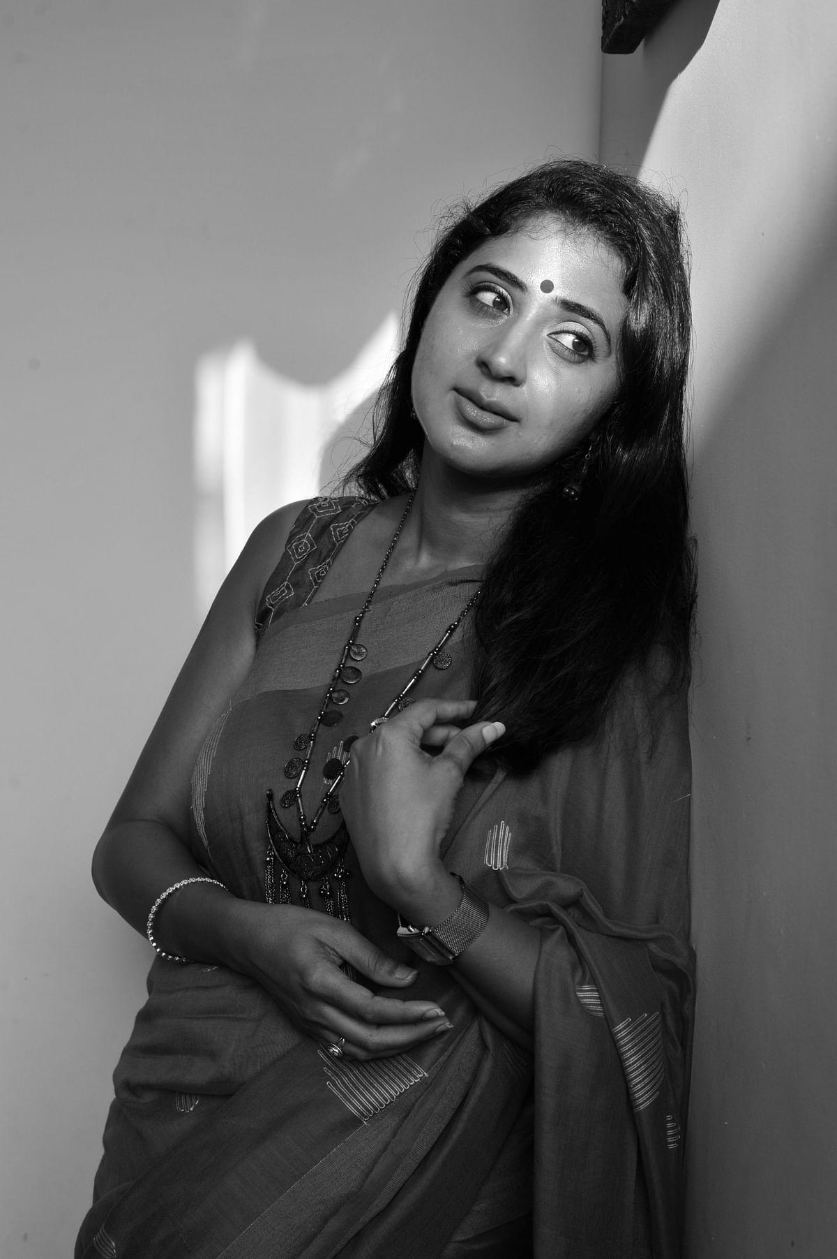 actress kanika