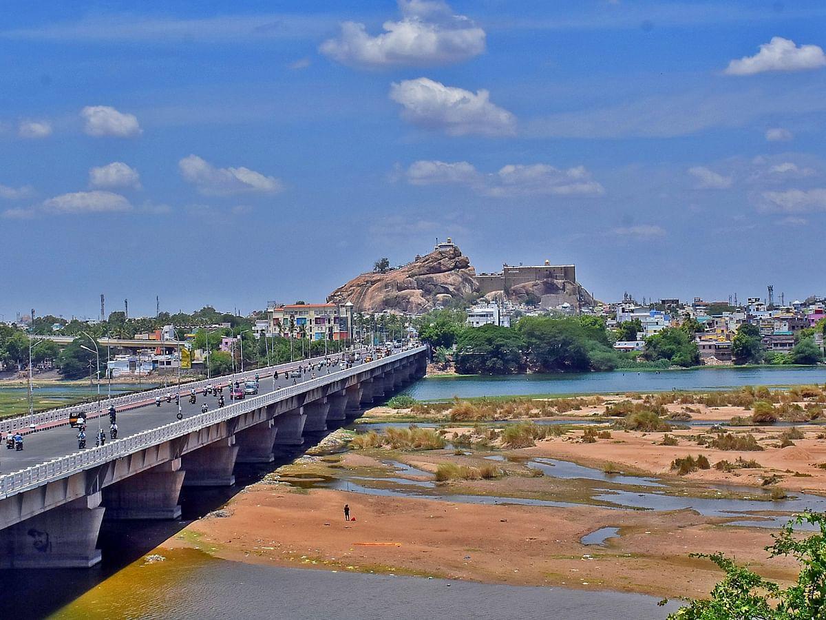 திருச்சி காவிரி ஆற்றில் வெள்ளம் - ஓராண்டு ஒப்பீடு