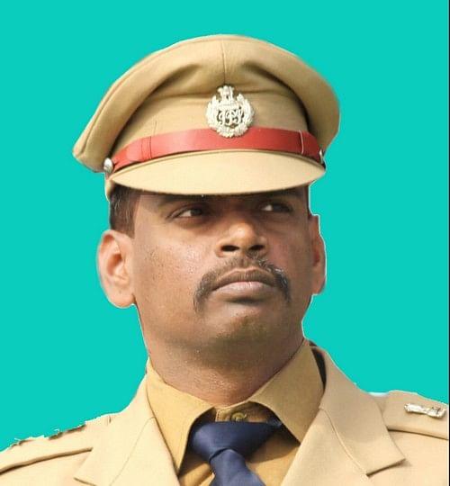 ஷரெகெலா மாவட்ட எஸ்.பி. கார்த்திக்