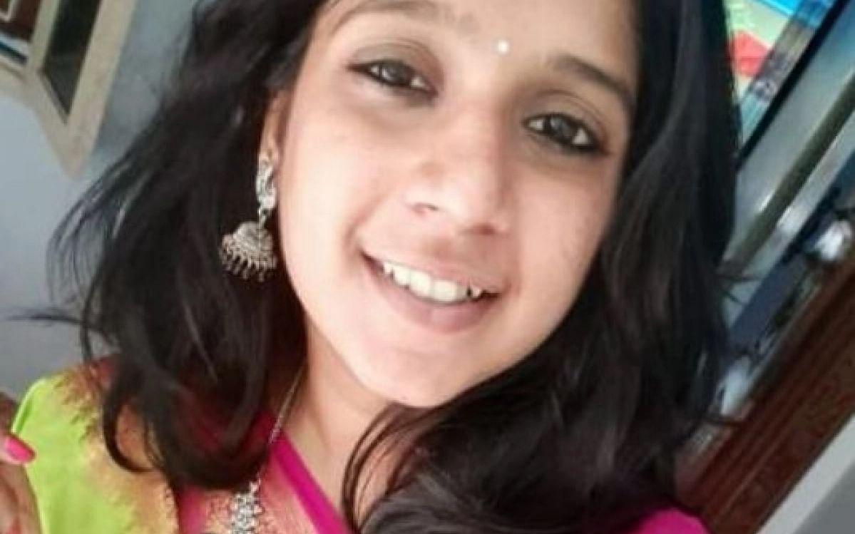 `முன்பே செய்திருந்தால் சுபஸ்ரீ நம்முடன் இருந்திருப்பார்' - பேனர் விவகாரம் கடந்து வந்த பாதை!